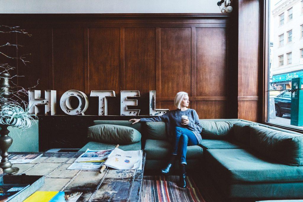 hotel pet policies